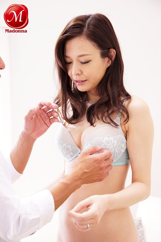 1000年に一人の人妻 現役ファッションモデル初脱ぎAVデビュー4本番!! 水原梨花 の画像3
