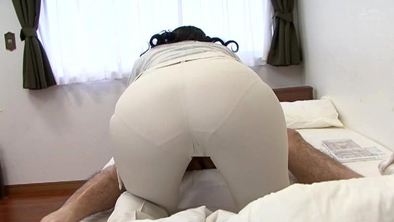 近親相姦 母のお尻~五十路母完熟巨尻の疼き 横山紗江子 の画像20