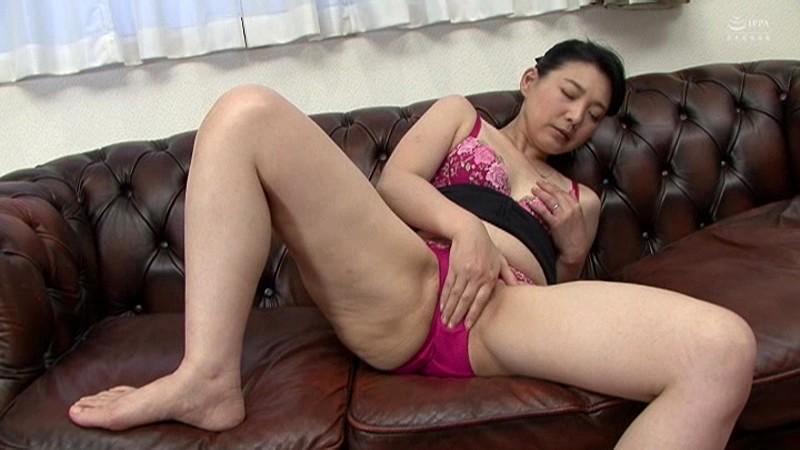 近親相姦 母のお尻~五十路母完熟巨尻の疼き 横山紗江子 の画像16