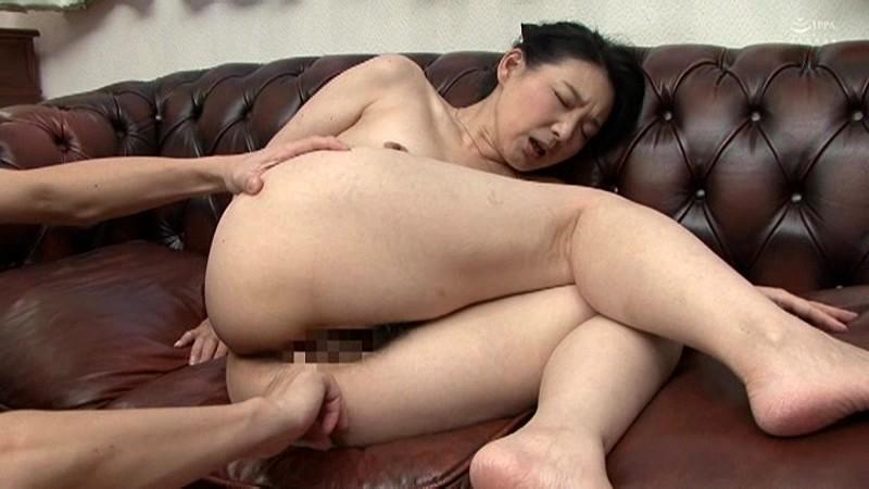 近親相姦 母のお尻~五十路母完熟巨尻の疼き 横山紗江子 の画像12