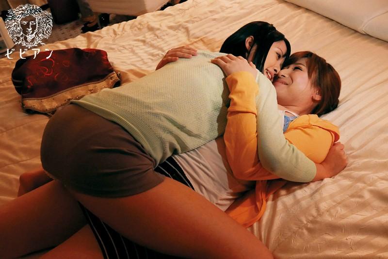 女が女の乳房を求めて。 レズビアンに揉みしだかれる巨乳BEST4時間 の画像7