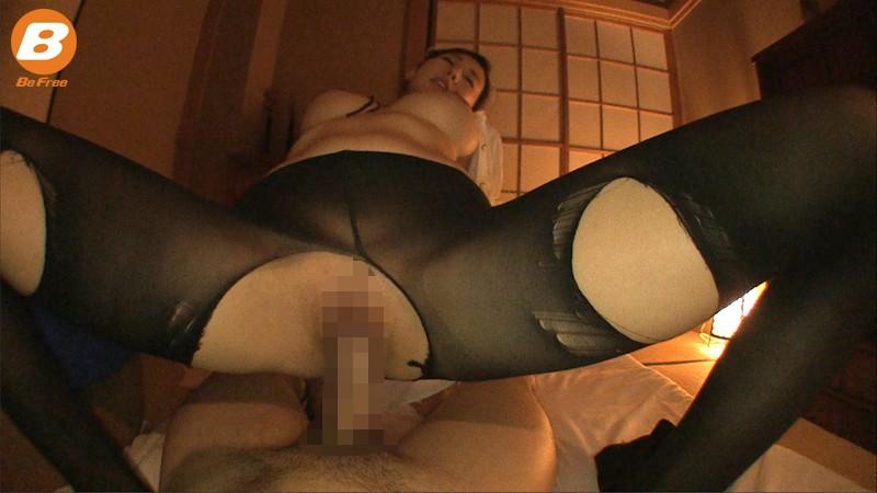 松下紗栄子のスケスケメイドで誘惑SEX![サムネイム10]