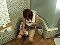 ヒトヅマののぞき無料ムービー。トイレの個室でガチイキガチおなにーする女子たち