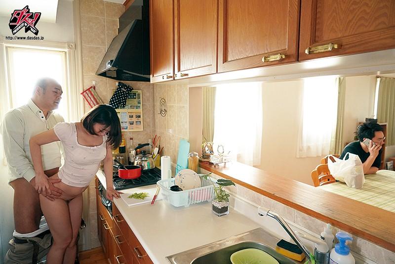巨乳で優しい姉御肌の妻が俺の親父に寝取られ種付けプレスされていた。 西野翔 の画像9
