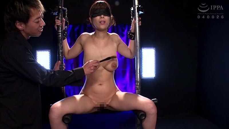 爆乳の人妻はおっぱいを揉みまくると絶対的に淫乱になる 彩奈リナ の画像12