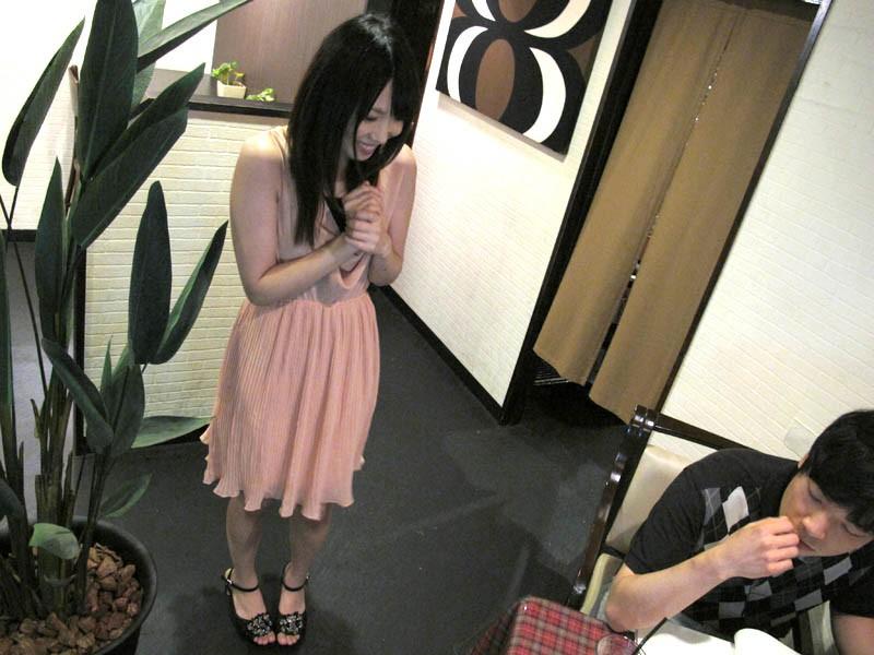 素人娘にお願いしました。 22歳カフェ店員 の画像1