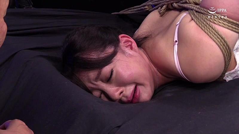 女殺淫縛蟻地獄 第六幕:蕩けるほどに女体は狂い泣く 麗しき人妻特命捜査官、真琴 成宮いろは の画像11