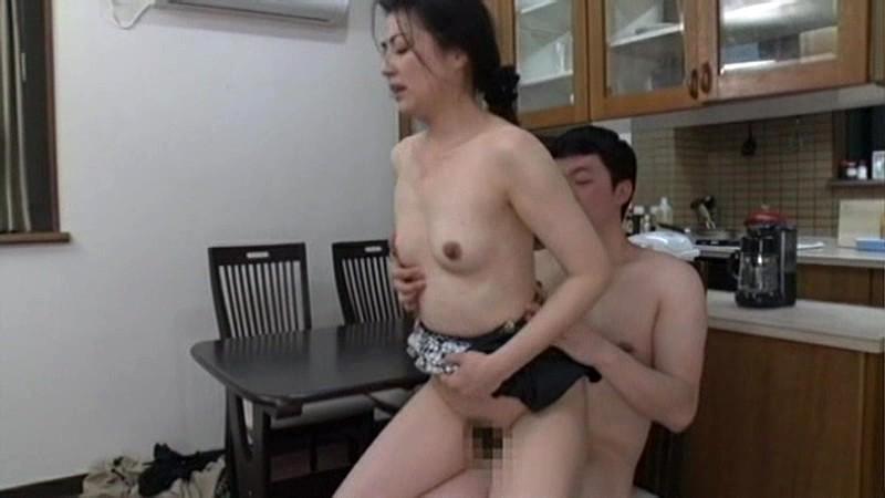 憧れの叔母さんは僕の性奴隷 の画像14