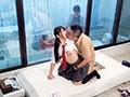 一般男女モニタリングAV マジックミラーの向こうには再婚したての母親!女子校生の娘と新しいお父さんが2人っきりの密室でぎこちない親子の距離が急速に縮まる10種類のキス技コンプリートできたら100万円! 6