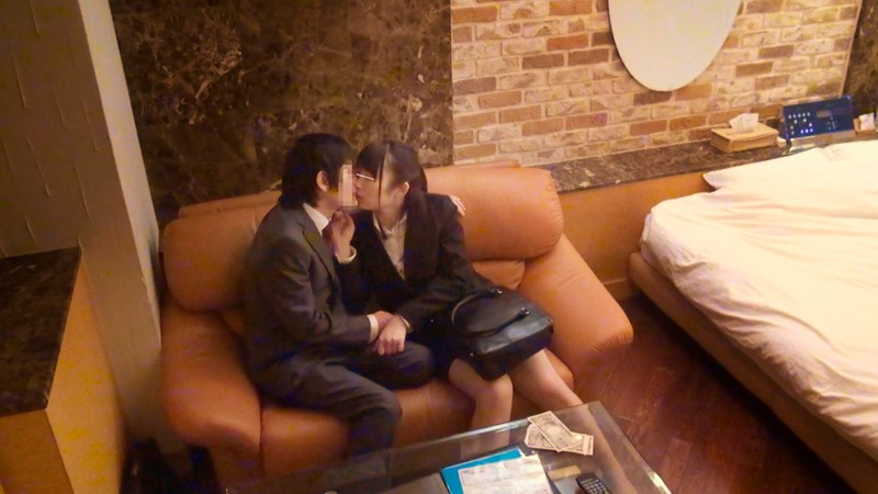 一般男女モニタリングAV 「ラブホ、ついて行ってイイですか?」週末の夜のラブホテル街をさまようほろ酔い社会人男女について行って撮影させてもら の画像10