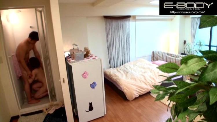 ヤリ部屋。 ひっきりなしに男が訪れるマンションの一室を終日覗き見る。 奥田咲 の画像5