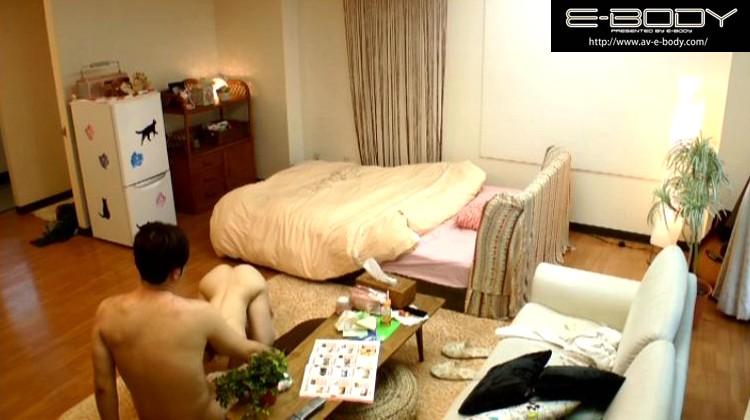 ヤリ部屋。 ひっきりなしに男が訪れるマンションの一室を終日覗き見る。 奥田咲 の画像7
