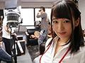 某AVメーカー新人女子社員 一年目 堀江亜季23歳(広報&制作業務&受付) フレッシュすぎるウブ爆乳ちゃんを密着取材と称して1ヶ月間AV出演アプローチ!!遂に撮れた天然Hカップの秘SEX映像!! 1