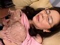 近親相姦 中出し! 五十路の母 八代有女 サンプル画像8