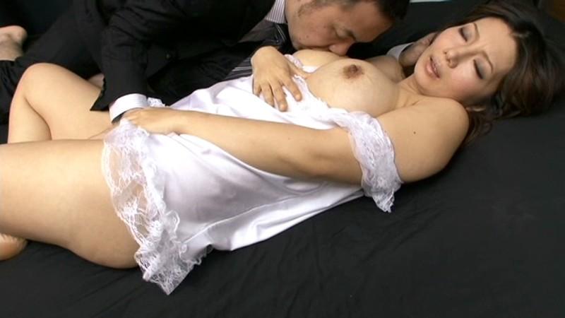 ドスケベな美人妻に合法中出し 美神さゆり の画像4