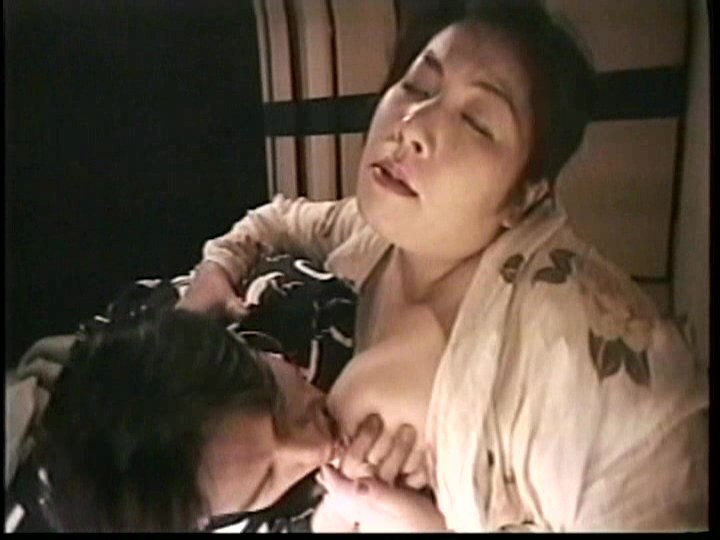 近親相姦 痴母の美肉に溺れた息子4時間 の画像12