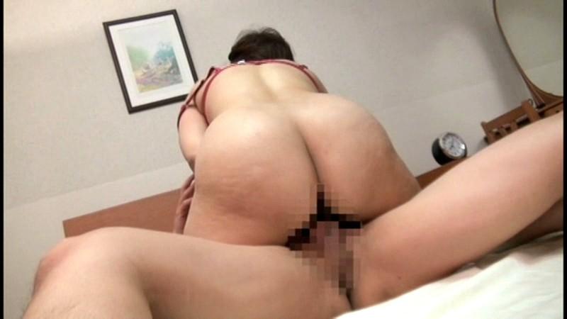 五十路の巨乳巨尻熟母 相姦遊戯 ~むっちり淫乱熟母はスケベな躰を見せびらかし、息子の股間を誘惑する。~ 沼田紗枝 の画像18