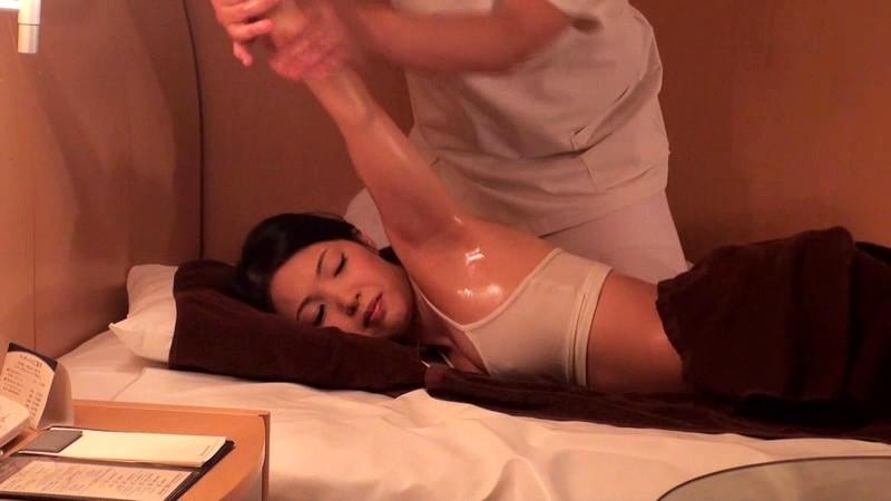 人妻肛門絶叫オイルエステ の画像16