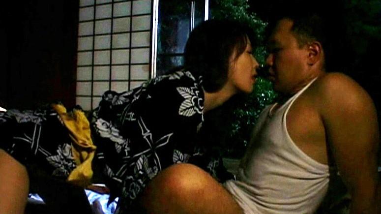 我慢できないアソコの疼き 熟女のおさね汁 山口玲子 生田沙織 の画像10