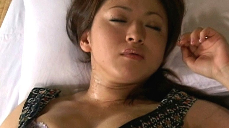 我慢できないアソコの疼き 熟女のおさね汁 山口玲子 生田沙織 の画像12