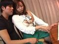 [NASS-198] 人妻実話エロス画報 人妻たちの美脚を大胆に広げ大切な部分に口づけを…汁だく3時間