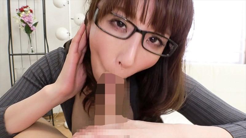 知的でいやらしい腰使いのメガネ熟女8人 の画像20