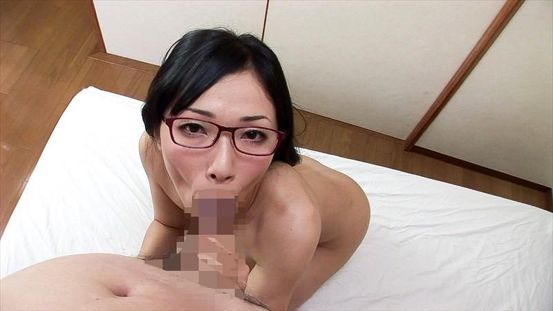 知的でいやらしい腰使いのメガネ熟女8人 の画像6