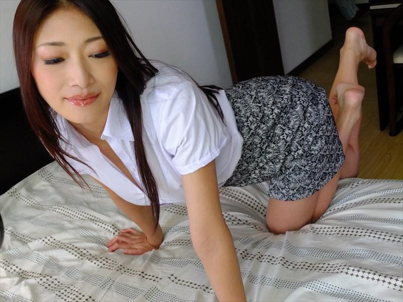 人妻情慾白書 家の中の淫獣 の画像2