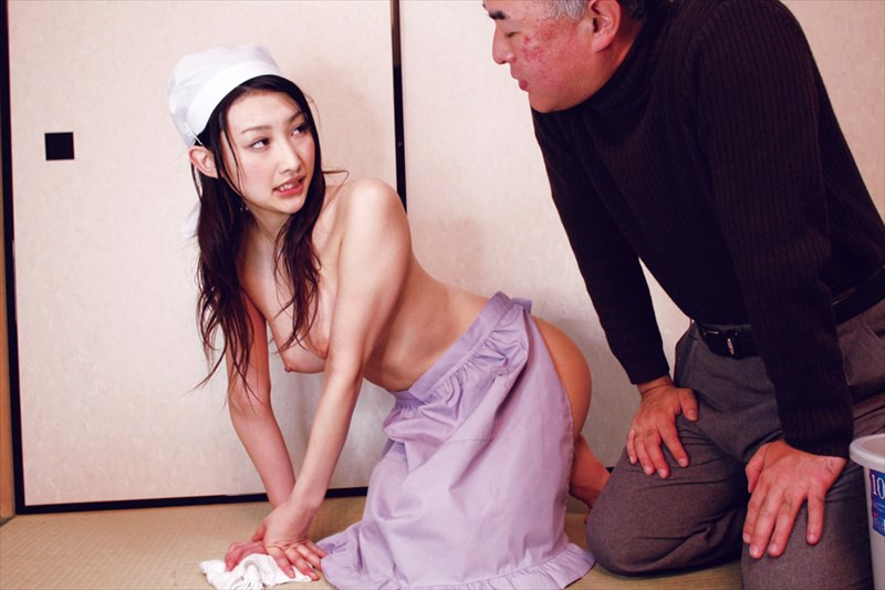 家政婦の肉体奉仕「ご主人様、もっと虐めて下さい」水嶋あずみ 川上ゆう 村上涼子 の画像19