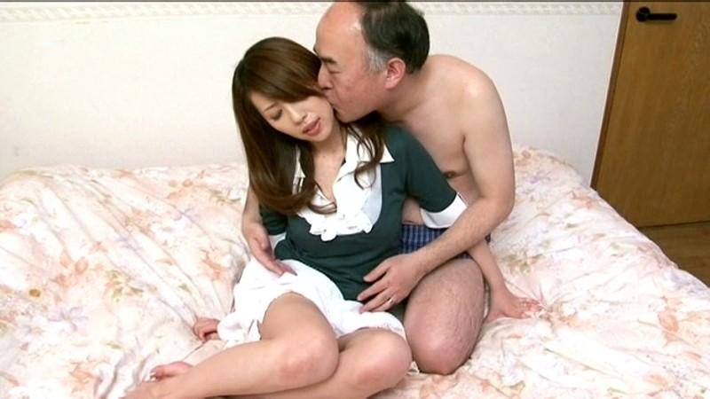 美人妻 結城みさ 夫の隣で寝取られ目前で中出しされて… の画像18