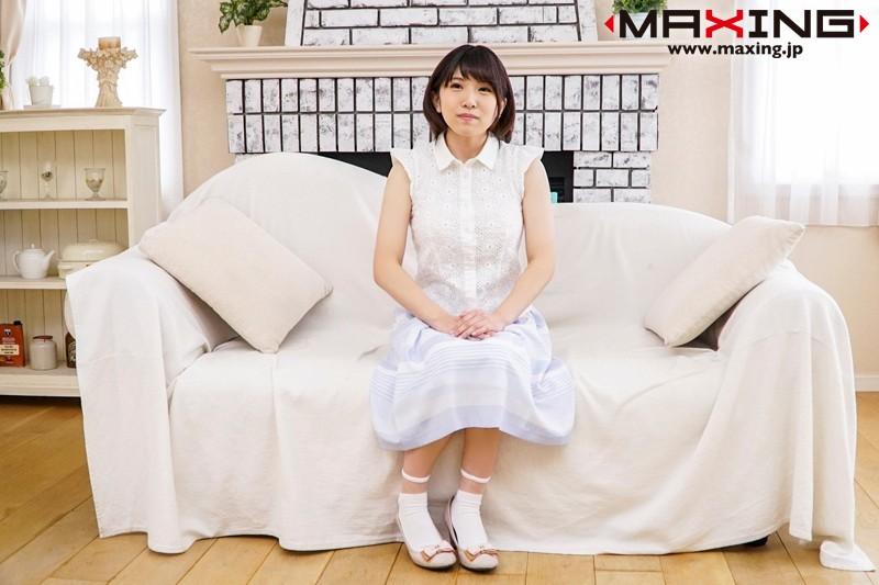 新人 喜多方涼 ~巨乳で小柄の完全素人、歯科助手AVデビュー!~ の画像10