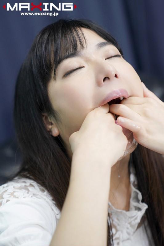 喉奥に無理やりオチ●ポを入れたがるイラマチオ 大好き 由愛可奈 画像10枚