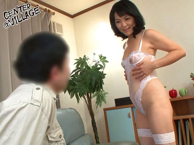 竹宮んちのおばちゃんが勝負下着でこっそり僕を誘惑してきた 竹宮かほりのサンプル画像5