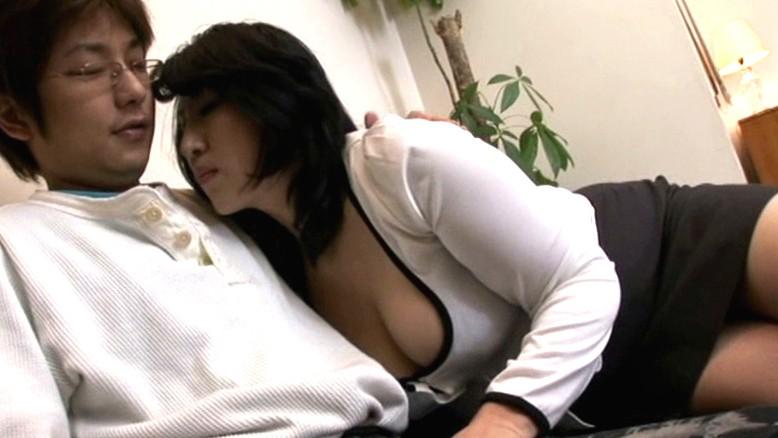 近親相姦 息子を狂わせた豊満巨尻の母 藤木静子 の画像1