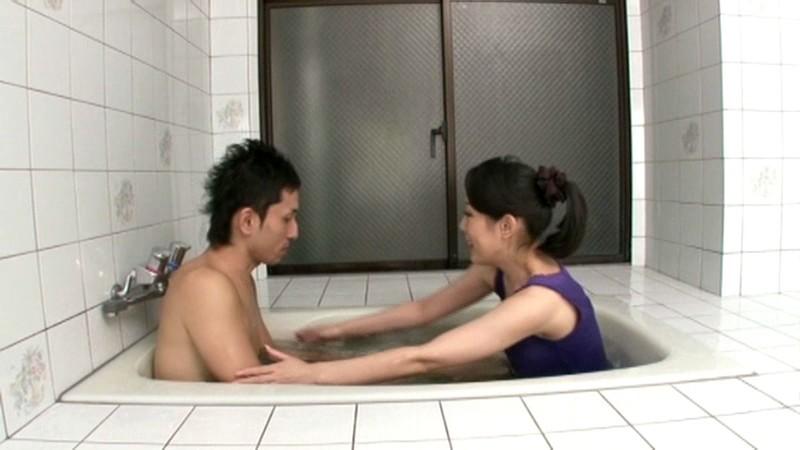 近親相姦 汗っかき母さんのびしょ濡れ交尾 石原こと の画像5