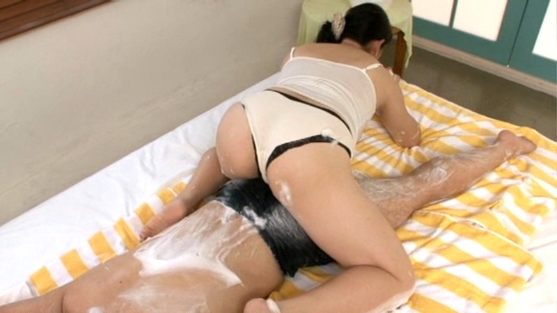 近親相姦 ふっくら母さんの泡とろ洗体中出し交尾 田村みゆき の画像4