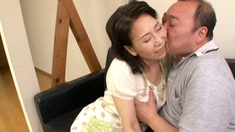 復活!!帰ってきた伝説の母 近親相姦 六十路母とのまぐわい 小澤喜美子 の画像8