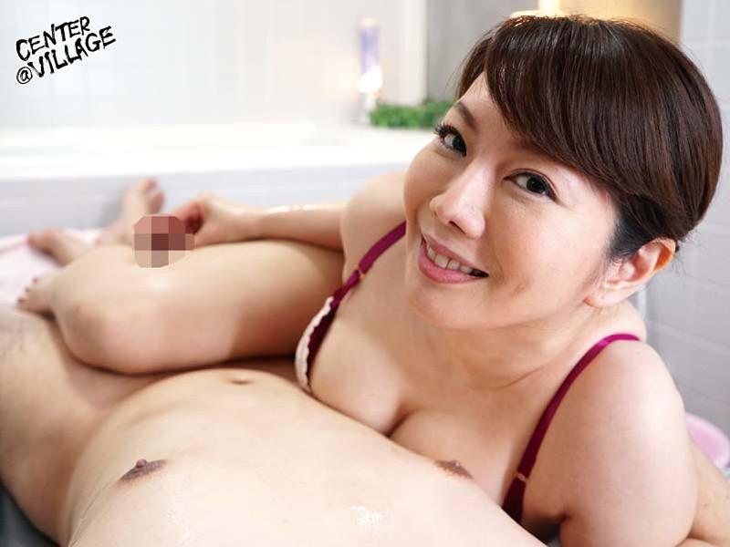 官能的な下着姿で男たちを惑わせる淫乱ミセスの妖艶ランジェリー性交 小野さち子 の画像5
