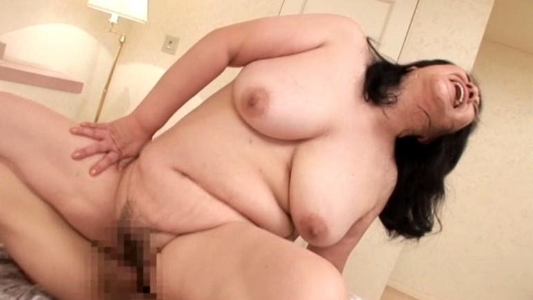 アダルト動画 - エロ動画 素人妻ナンパ!生中出し♥セレブDX Vol.16