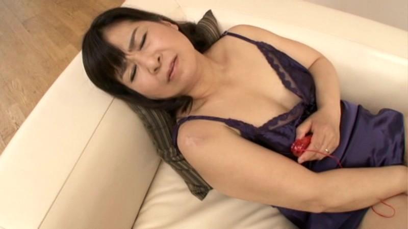 初撮り五十路妻ドキュメント 村松響子 の画像11