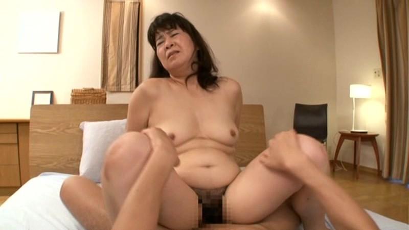 初撮り五十路妻ドキュメント 村松響子 の画像18