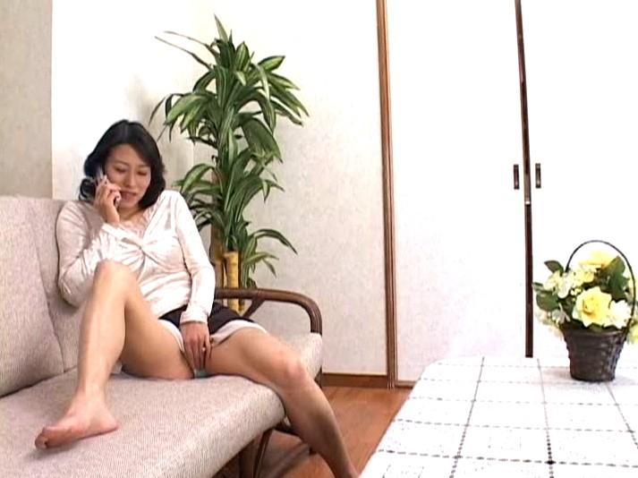 近親相姦母子熱愛 真田友里 の画像4