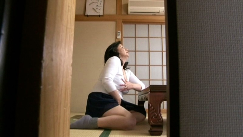 中出し近親相姦 夜のお母さん 我が家の24時 岩崎千鶴 の画像6