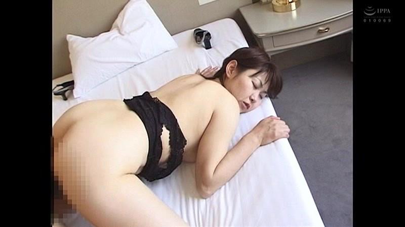 こんなおばさんでいいの?たるんだ体でセックス狂いヨダレを垂らしてイキまくる どすけべ熟女4時間11人 の画像9