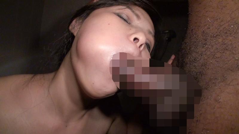 貞淑妻が極太黒人チ●ポで絶頂初体験!! の画像9
