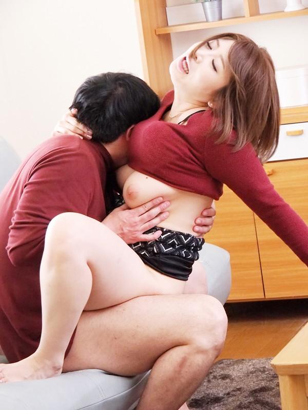息子の目の前で犯される新妻 推川ゆうり