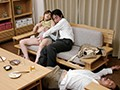 [OZUKE-034] 夫を泥酔させて僕のデカチンに悶え狂う上司の美人妻「肉厚マ●コに…でゅぴゅっ!!と中出し」 30人8時間
