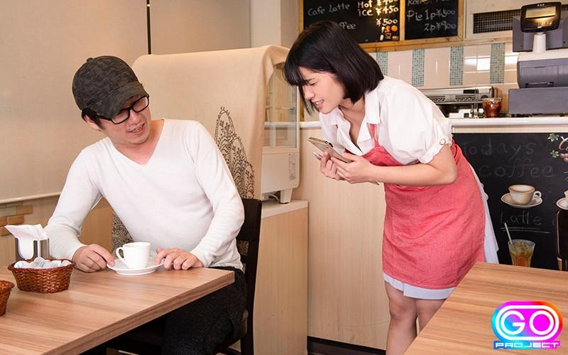 「美巨乳カフェ店員」のサンプル画像です