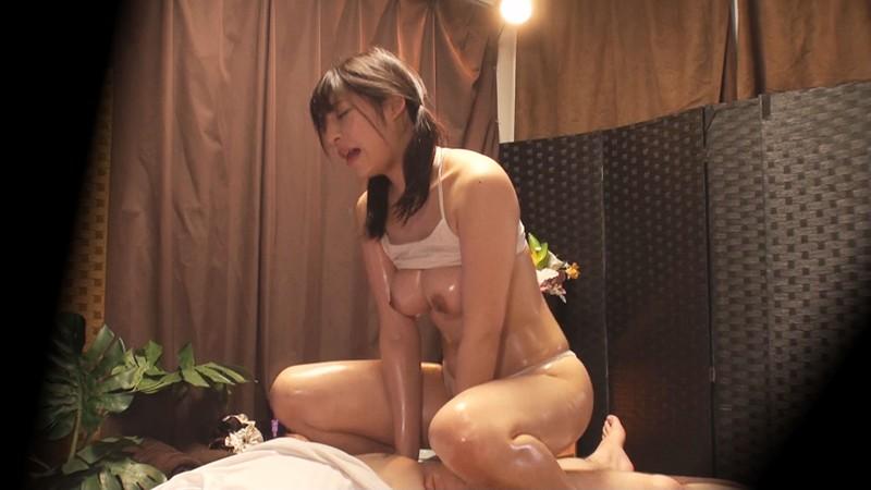 制服美少女たちの性感オイルマッサージ3 画像10枚