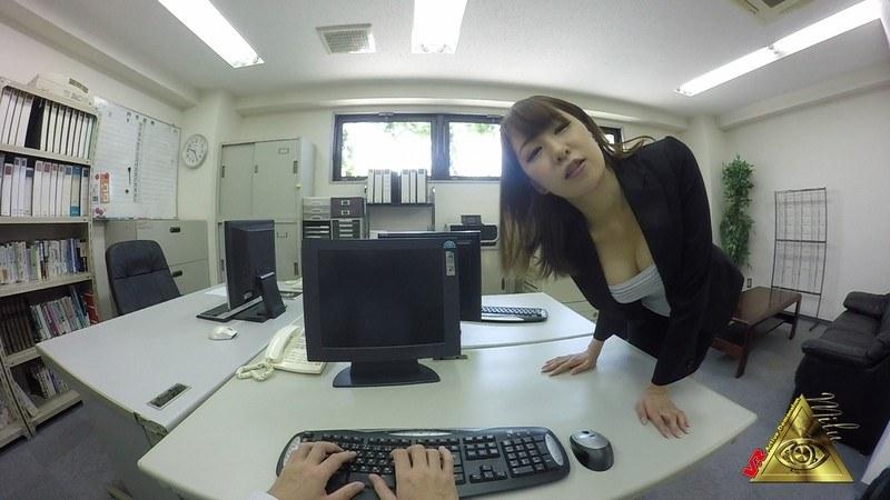 【VR】美人OL「杉崎絵里奈」の痴女プレイ 脚コキ〜口内発射 パッケージ